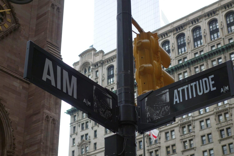 B_1-2_aim_attitude_aimattitude_signs